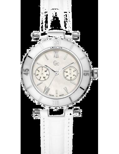 Chic Time   Montre Femme Guess Collection Diver Chic I24001L1    Prix : 401,99€