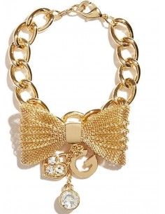 Chic Time | Bracelet Guess Doré Noeud papillon et breloques  | Prix : 69,00€